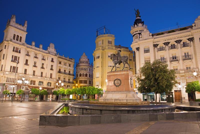 Cordoba - den PlazaTendillas fyrkanten på skymning royaltyfri fotografi