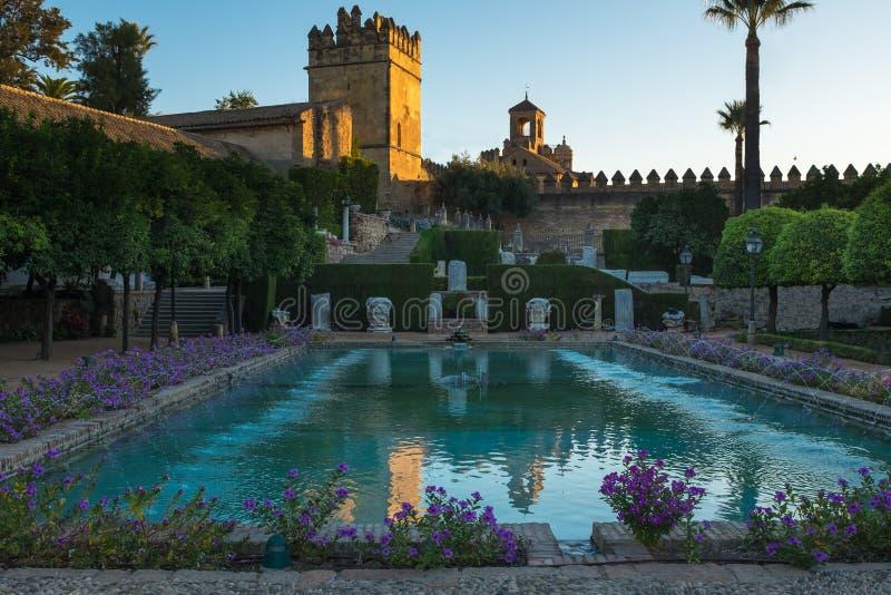 Cordoba, Hiszpania, Wrzesień, 26, 2017: Formalny ogród Alcazar De Los Reyes Cristianos w cordobie, Andalusia, Hiszpania obraz royalty free