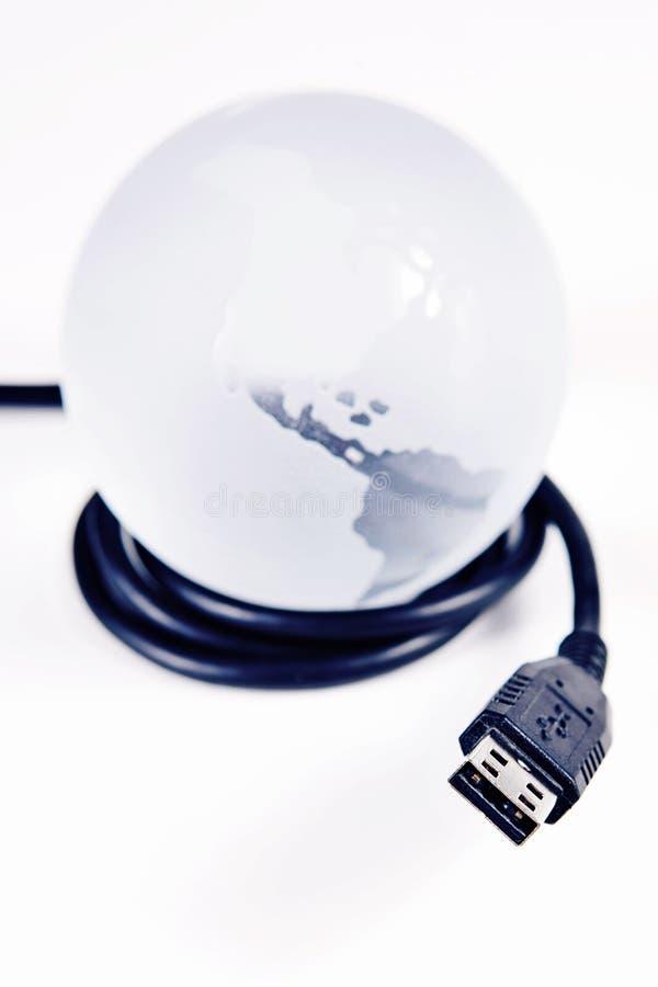 Cordon d'USB autour du monde photo libre de droits