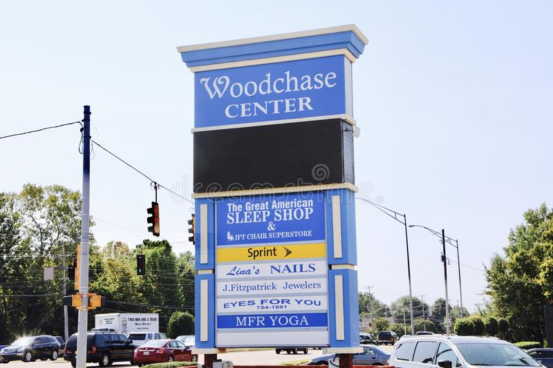 Woodchase Shopping Center, Cordova, TN. Cordova Collection Shopping Center Anchor Tenants are Sprint, the Great American Sleep Shop, MFR Yoga, Eyes for You and J stock photography