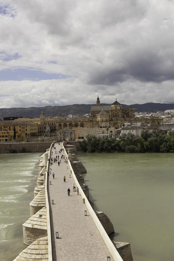 Download Cordova. Roman Brug Over De Guadalquivir. Stock Foto - Afbeelding bestaande uit architectuur, spanje: 39103604