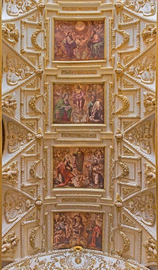 Cordova - soffitto della navata principale in chiesa Iglesia de San Agustin con gli affreschi da Cristobal Vela (1588-1654) fotografia stock