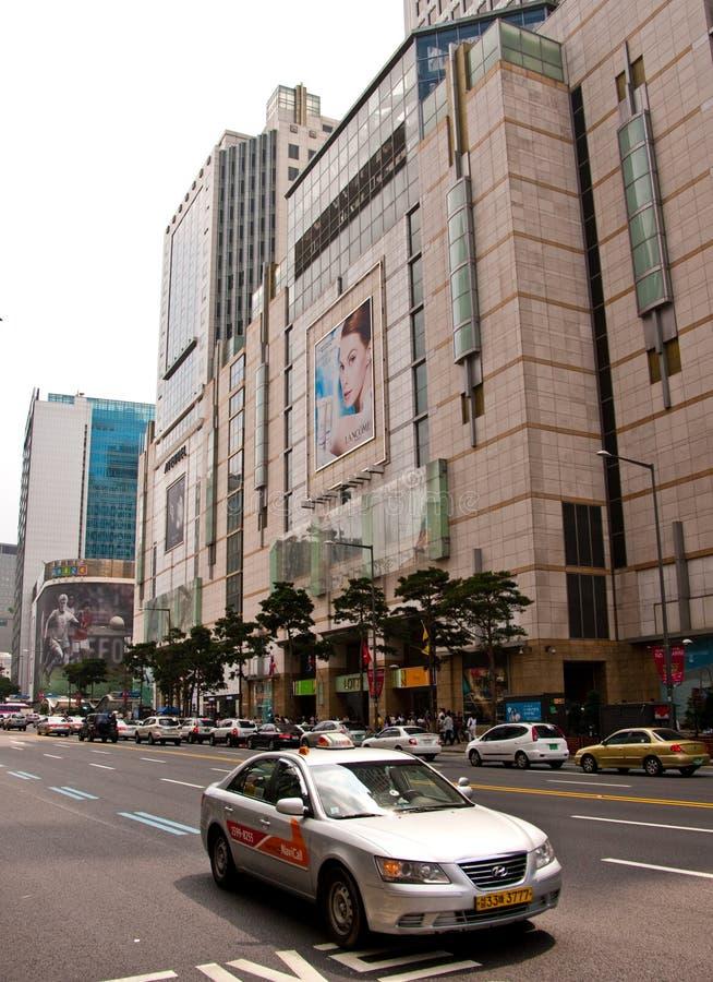 Corea del Sur de Seul céntrica con un taxi fotos de archivo