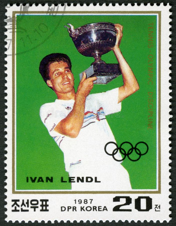 COREIA DO NORTE - 1987: mostras Ivan Lendl carregado 1960, série Roland Garros Birth Centenary e tênis como um esporte olímpico foto de stock