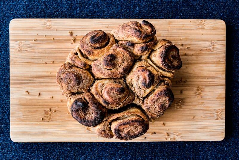 Corek/pastelaria de Hashasli do turco com sementes de papoila imagem de stock royalty free