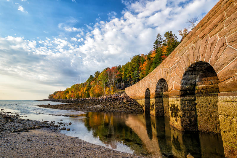 Cores bonitas da queda do parque nacional do Acadia em Maine fotos de stock
