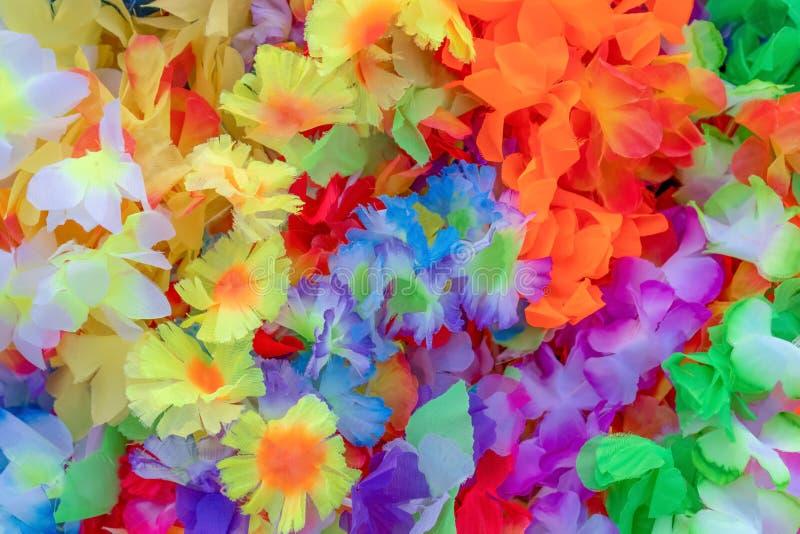 Cores bonitas de flores pl?sticas as flores coloridas podem ser usadas como uma imagem de fundo perfeita decorativo fotografia de stock royalty free