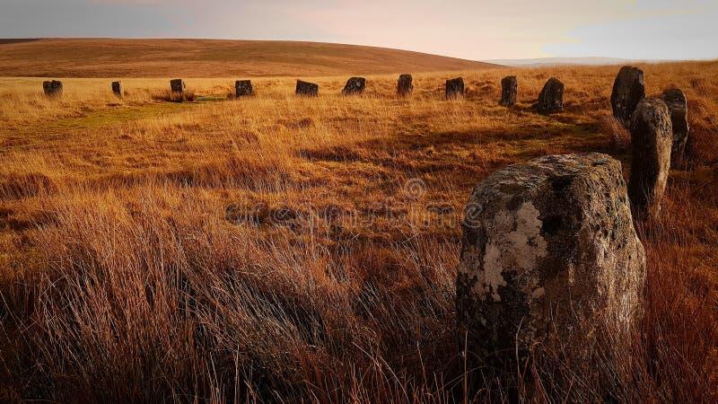 Cores de pedra do outono do círculo no parque nacional Devon Reino Unido de Dartmoor imagens de stock royalty free