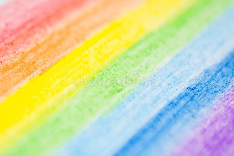Cores do arco-íris pintadas com lápis coloridos foto de stock