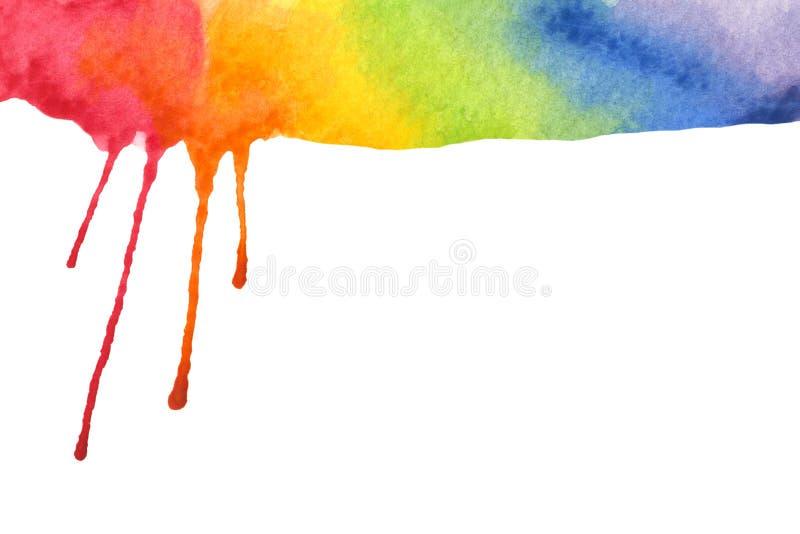 Cores do arco-?ris do gotejamento da pintura no fundo branco foto de stock