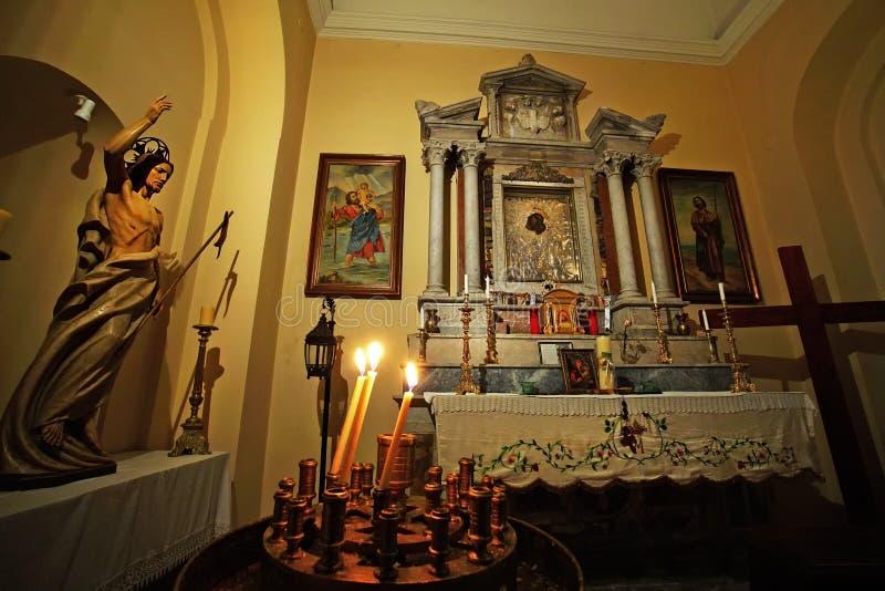 Corfu, Grecja, 18 2018 Październik, szczegół wnętrze Katolicka katedra w centrum miasto zdjęcia royalty free