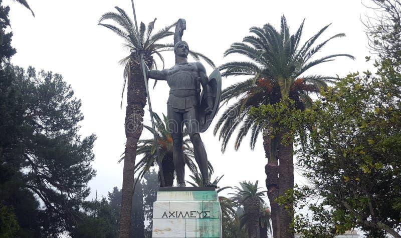 CORFU, GRECJA Styczeń 21, 2018: Statua Achilles w Achilleion pałac imperatorowa Austria Elisabeth Bavaria w Corfu islan fotografia royalty free