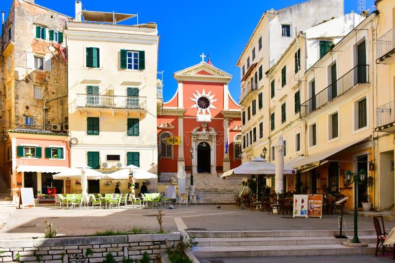 Corfu miasteczka główny plac Corfu wyspa w morzu śródziemnomorskim, zdjęcia royalty free