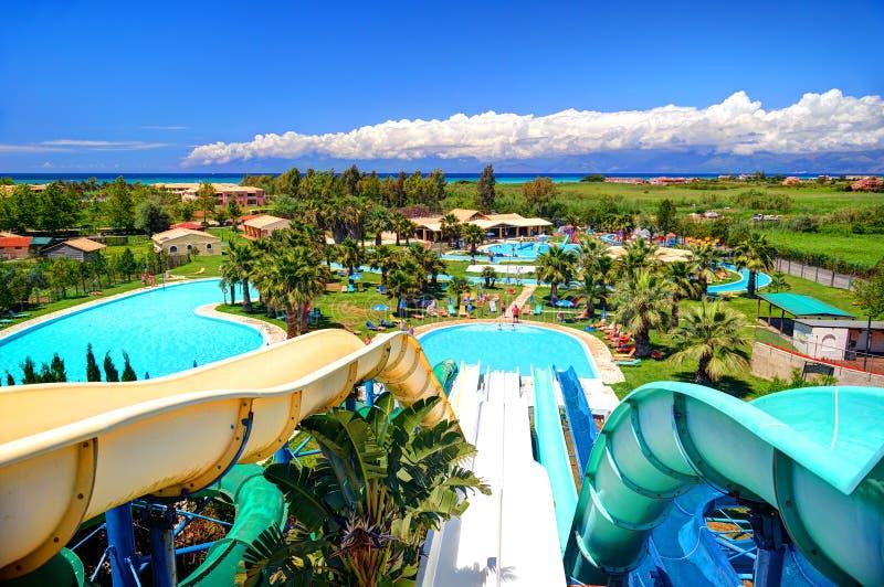 CORFU wyspa, GRECJA, JUN, 01, 2014: Plenerowy Grecki Aqua park z wodnych obruszeń pływackimi basenami dla dzieci Grecja wysp waka zdjęcie royalty free