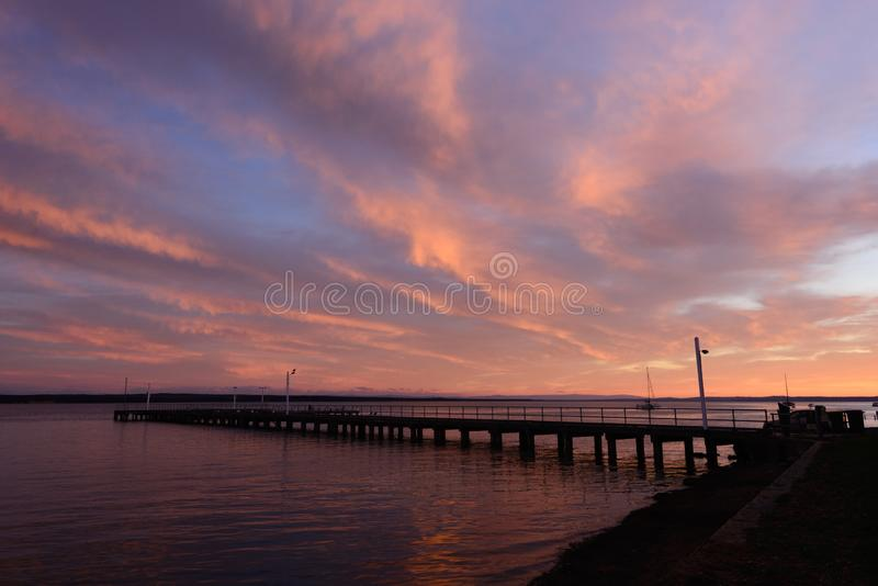 Corinellapijler bij zonsopgang van de kant wordt bekeken die royalty-vrije stock afbeeldingen