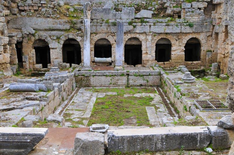 Corinth antiguo, fuente romana fotos de archivo libres de regalías