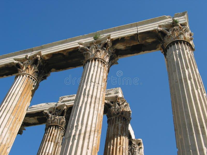 Corinthische kolommen bij de Tempel van Olympian Zeus, Athene, Griekenland stock afbeeldingen
