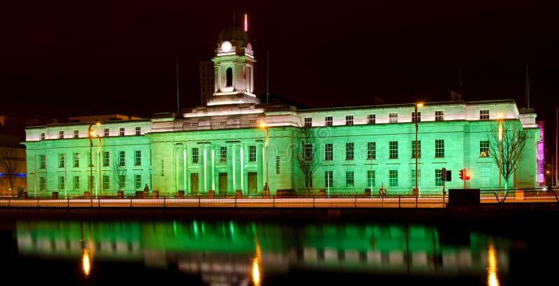 Cork City Hall - St. Patrick Dag stock fotografie