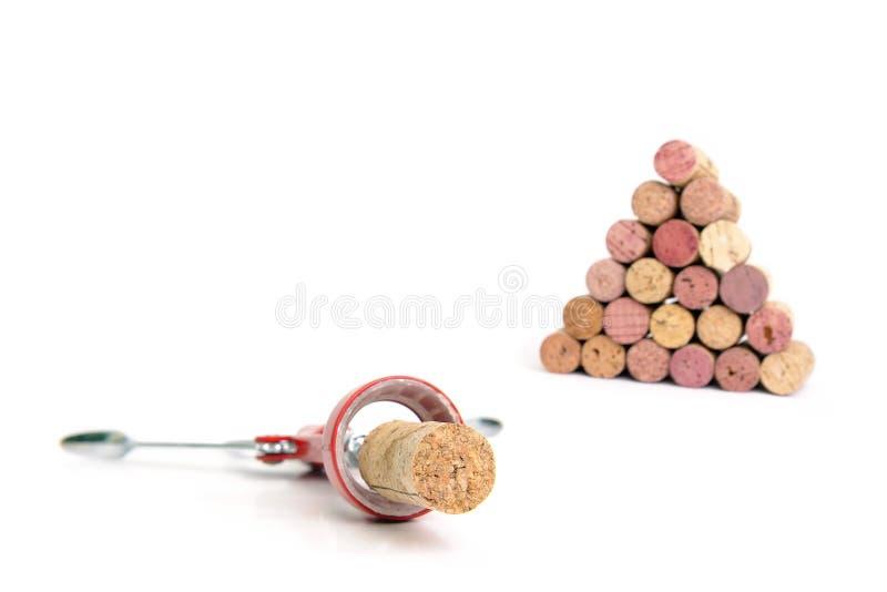 Cork de schroef en de wijn kurken stock foto's