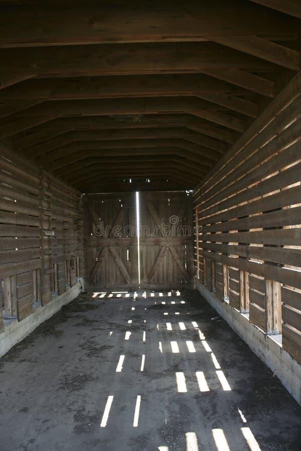 Download Corncrib interior imagen de archivo. Imagen de iluminación - 42426901