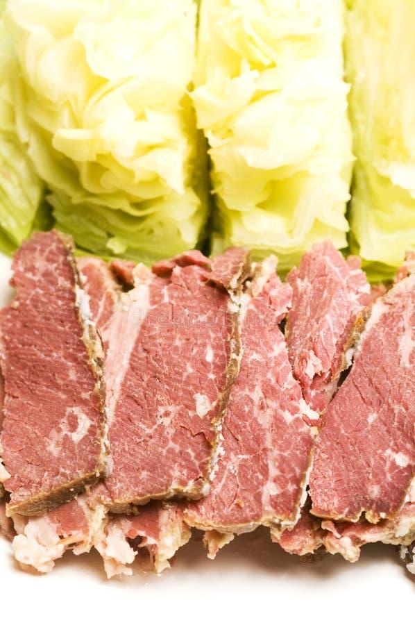 Corned beef et chou photo stock
