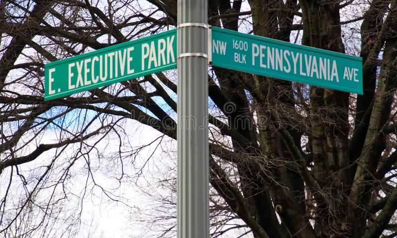 Corner of Pennsylvania and Executive Park, the nation`s address of the White House on the southwest side. Corner of Pennsylvania and Executive Park, the nation` stock photo