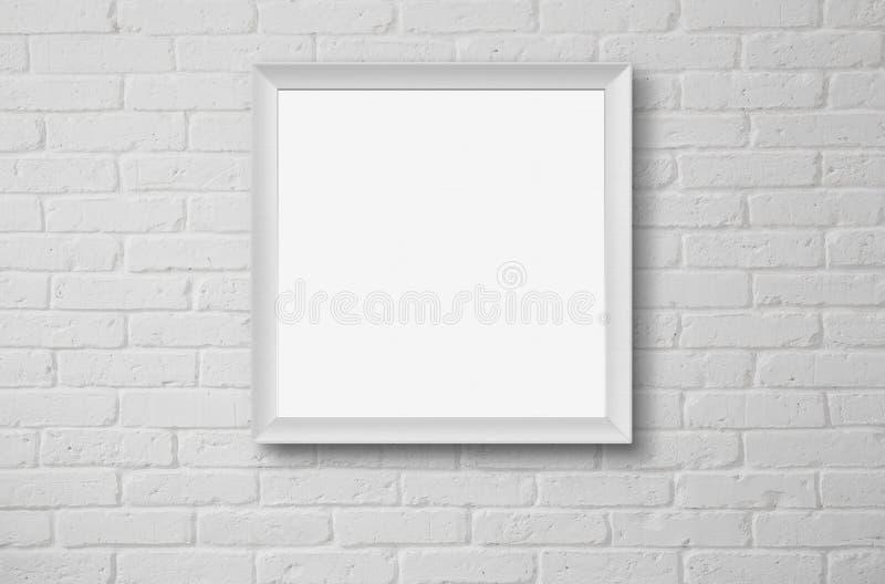 Cornice in bianco alla parete immagine stock