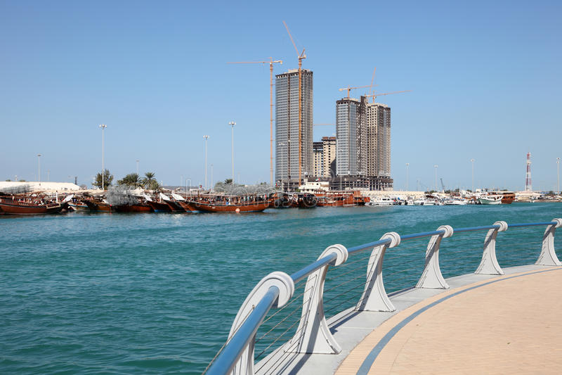 Corniche en Abu Dhabi images stock