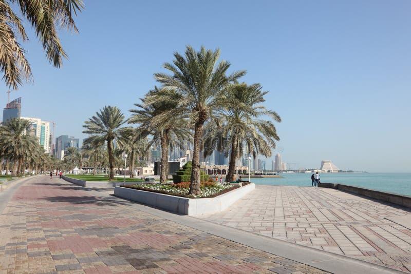 Corniche i Doha, Qatar, Mellanösten royaltyfri bild