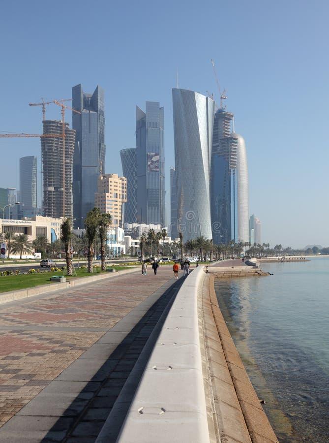 Cornichen i Doha, Qatar royaltyfria bilder