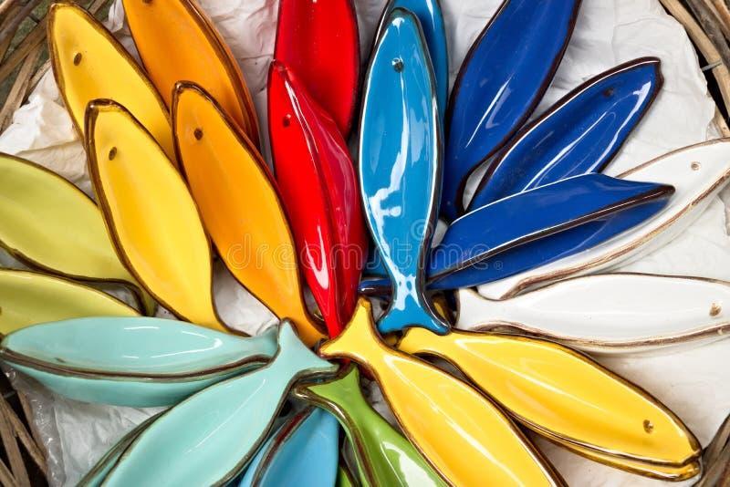 Corniglia, Cinque Terre Decora??es cer?micas feitos a m?o que representam estrelas de mar coloridas fotografia de stock royalty free