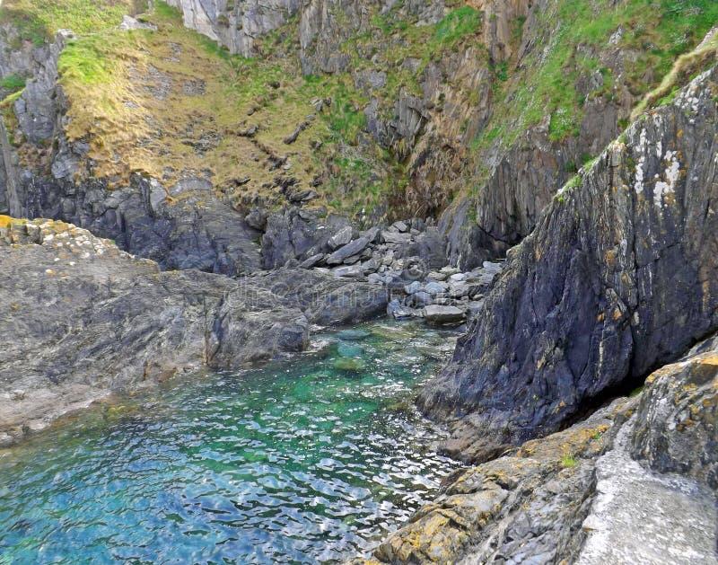 Cornish λίμνη βράχου στοκ φωτογραφίες με δικαίωμα ελεύθερης χρήσης