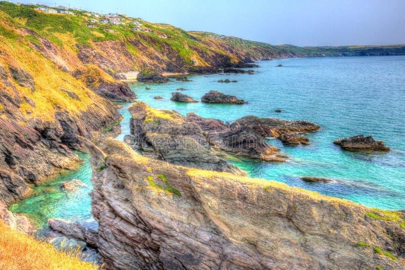 Cornisk kust England UK för Rocky Cornwall kustWhitsand fjärd nära till Plymouth royaltyfri fotografi