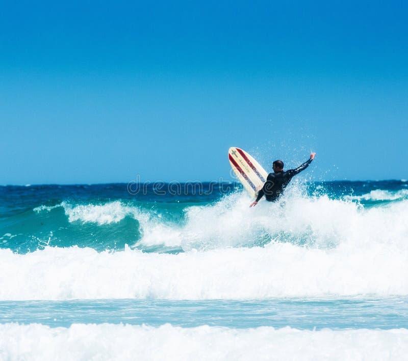 Cornwall-Surfer Wipeout lizenzfreies stockbild