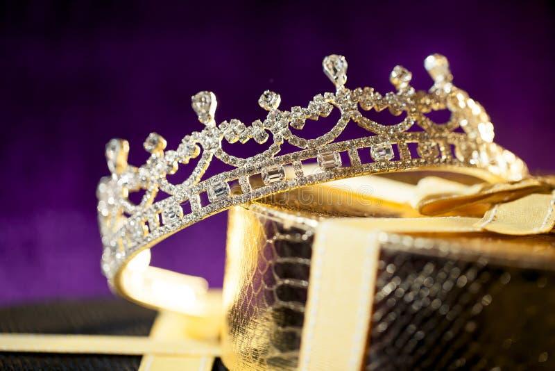 Coroa do casamento - tiara do diamante fotografia de stock royalty free