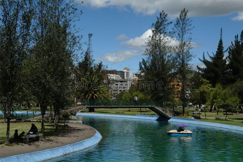 Corolina del parque. Quito. Ecuador fotos de archivo