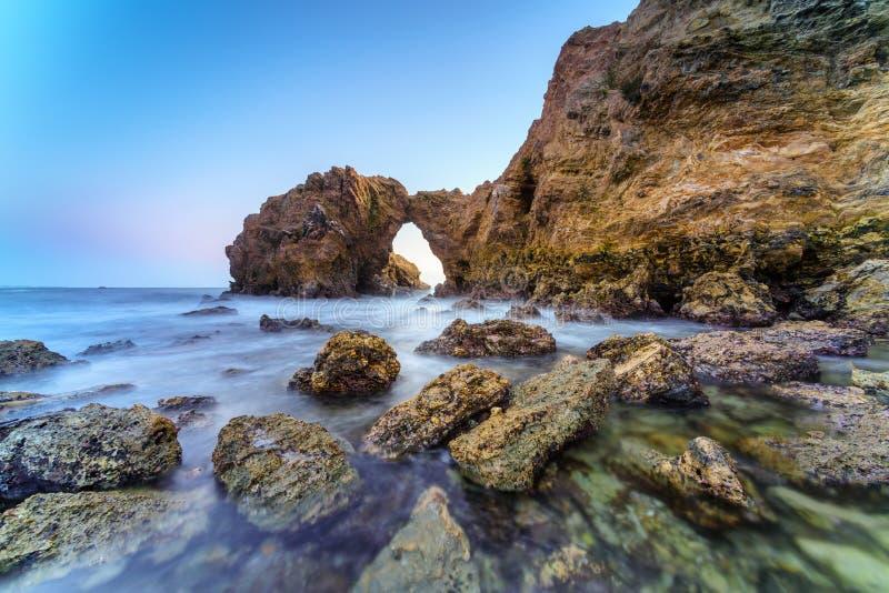 Corona Del Mar Jump Rock, Kalifornien stockbilder