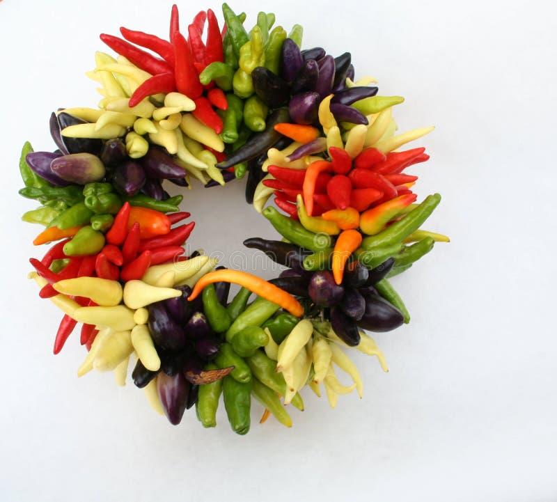 Download Corona Del Pepe Di Peperoncino Rosso Fotografia Stock - Immagine di colorful, ardentemente: 217558