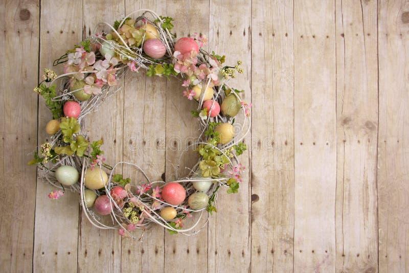 Corona dell'uovo di Pasqua fotografia stock libera da diritti