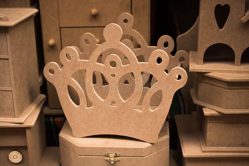 Corona di modello fatta di legno fotografia stock