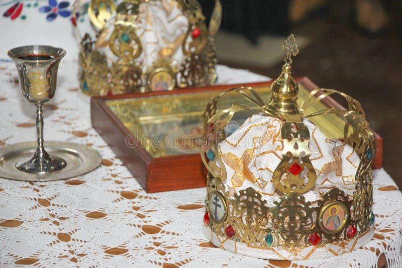 Corona para casarse imagen de archivo libre de regalías