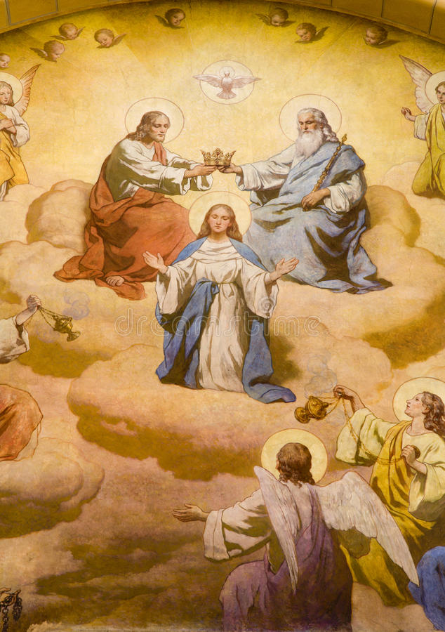 Coronación de hl. Maria de la iglesia de Viena foto de archivo libre de regalías