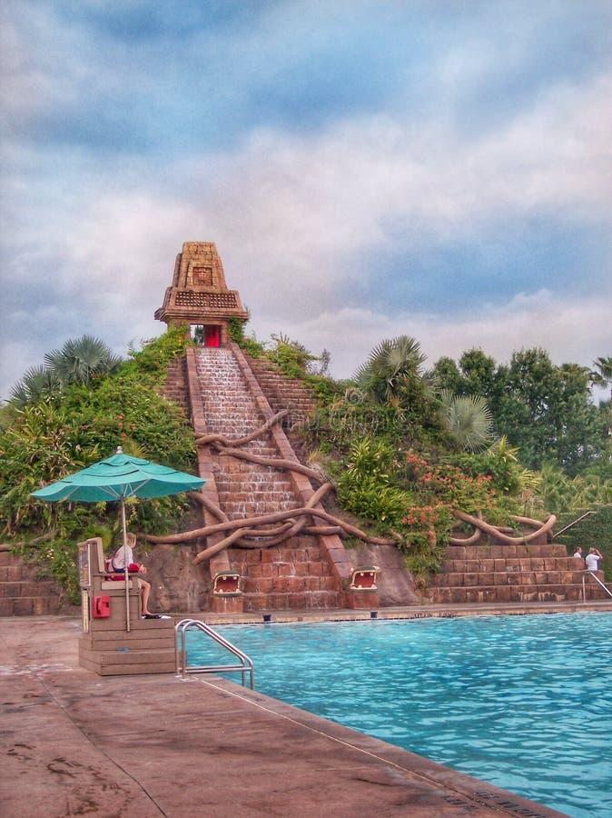 Coronado salta salva-vidas principal da área da piscina do recurso imagens de stock royalty free