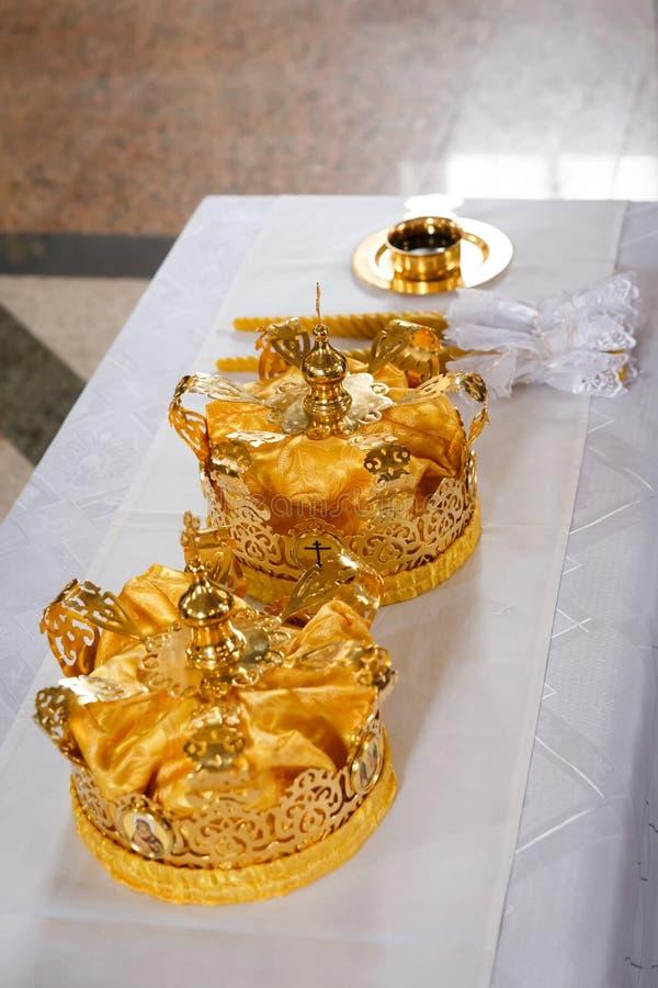 Coronas de la boda fotografía de archivo