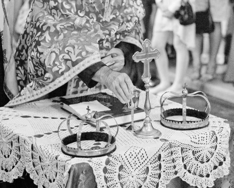 Coronas para casarse imágenes de archivo libres de regalías
