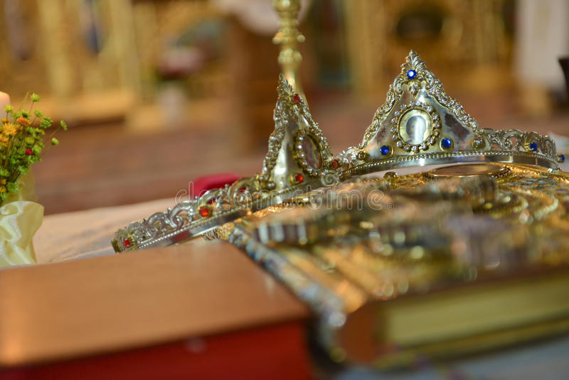 Coronas para el día de boda foto de archivo libre de regalías