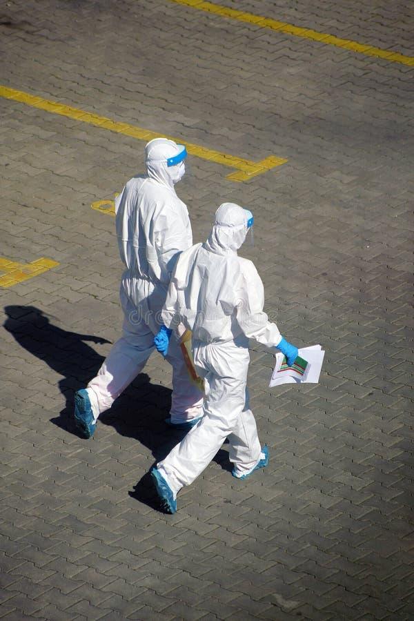 Coronavirus, bescherming tegen de uitbraak van Covid-19 in Italië stock fotografie