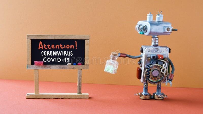 Coronavirus COVID 2019 Un ordinateur de recherche robotisé tient un tube à tester avec des médicaments Tableau noir avec photo stock