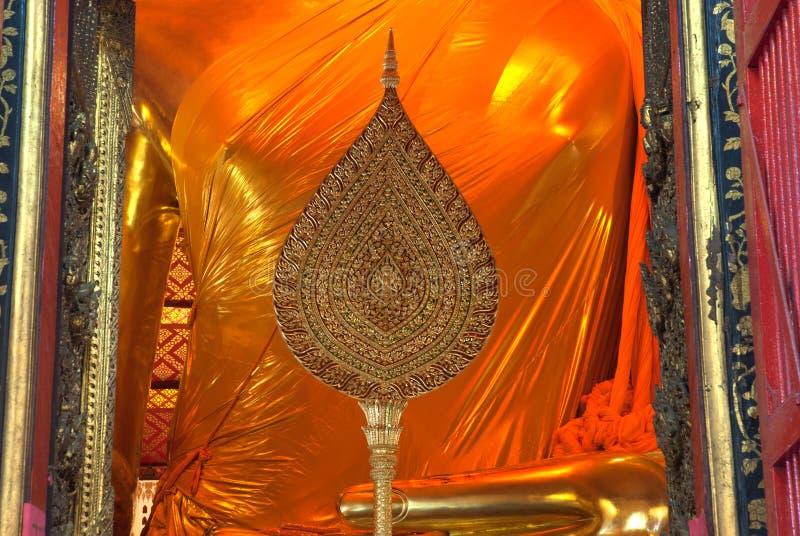 Corpo de Luang Pho Tho em Wat Phanan Choeng, Tailândia fotografia de stock