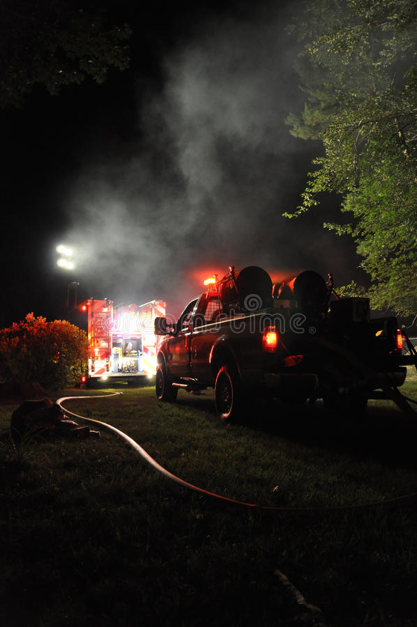 Corpo dei vigili del fuoco sulla scena immagine stock libera da diritti
